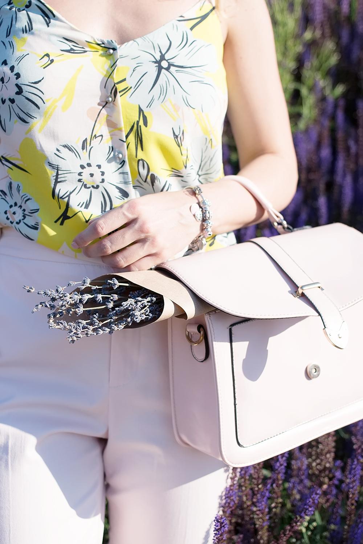 pastel_summer_look_rose_quartz_pants_margarita_maslova
