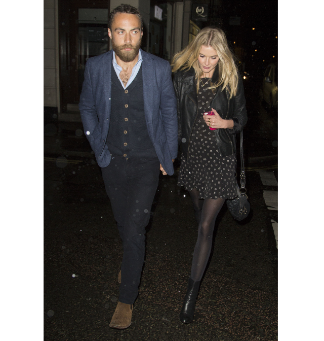 James Middleton con barba acompañado de su novia