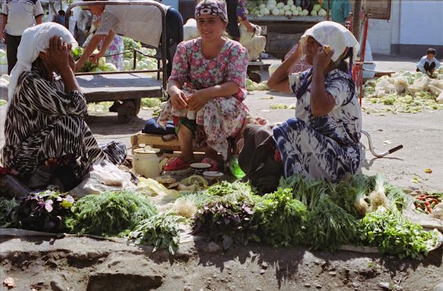 Ouzbékistan, Ferghana, marché, © Louis Gigout, 1999