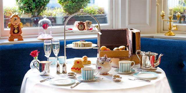 Chá da tarde com decoração de A Bela e A Fera
