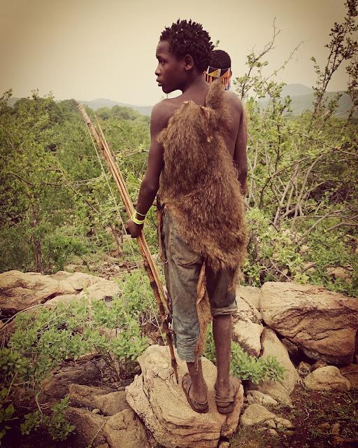 Michi um die Welt, Weltreise, worldtrip, Reiseblogger, Travelblog, Reiseblog, Hadzabe, Stamm in Tansania, Jäger, Lake Eyasi, Hadza, Einmal um die Welt, Steinzeit