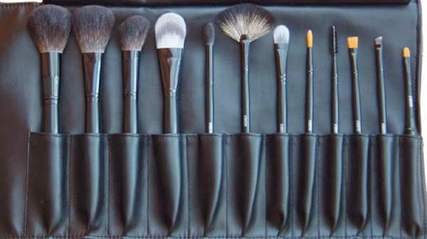 Cheap makeup brushes by barbies beauty bits and the salon outlet