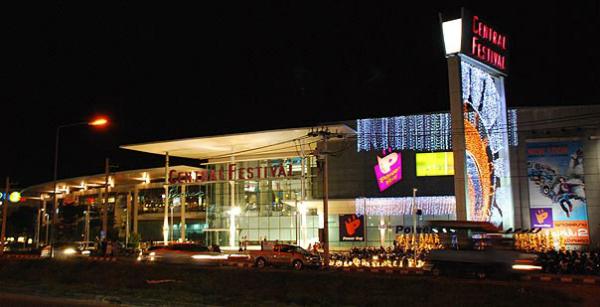 Khu trung tâm mua sắm sầm uất được đầu tư tại đảo Phuket