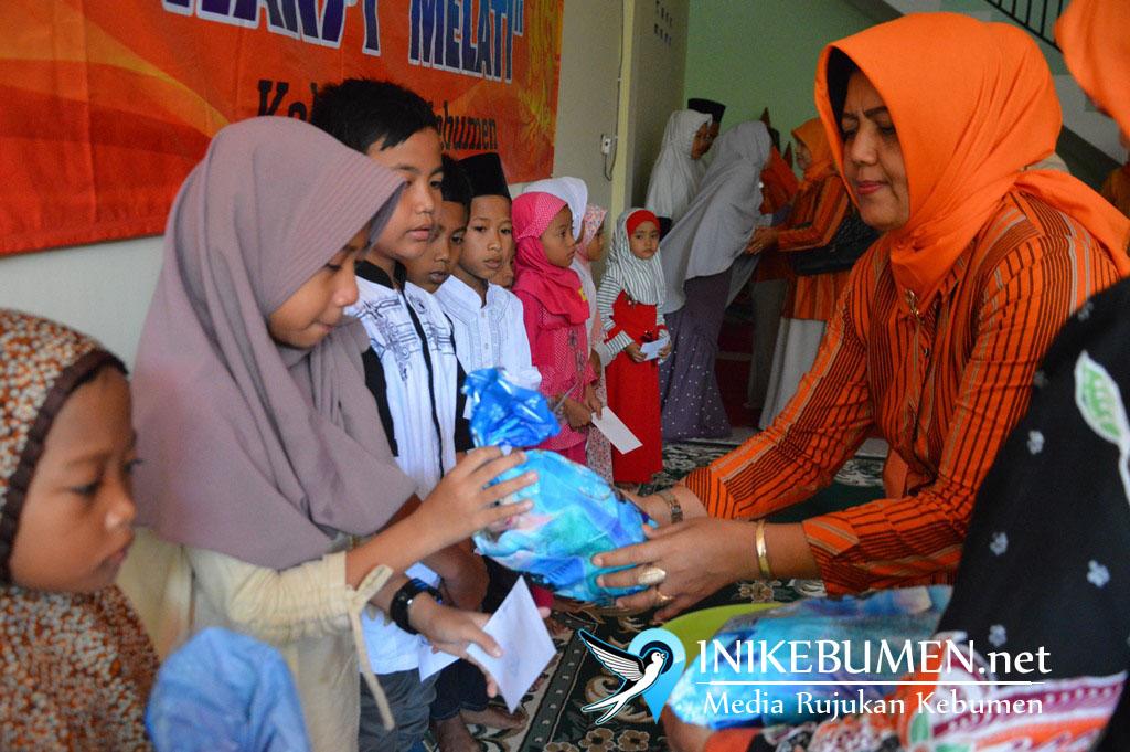 Baksos Ramadan, Harpi Melati Kebumen Santuni Anak Yatim dan ODGJ di Rumah Singgah Dosaraso