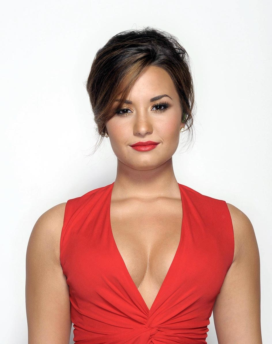 Demi Lovato Sexiest Instagram Pictures: Actress Pictures: Demi Lovato