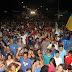 Passeata das mulheres atrai multidão e consagra Túlio Lemos e Rodrigo Aladim