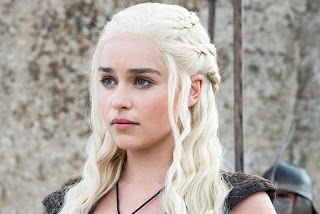 Emilia clarke hair is white in the game of throne