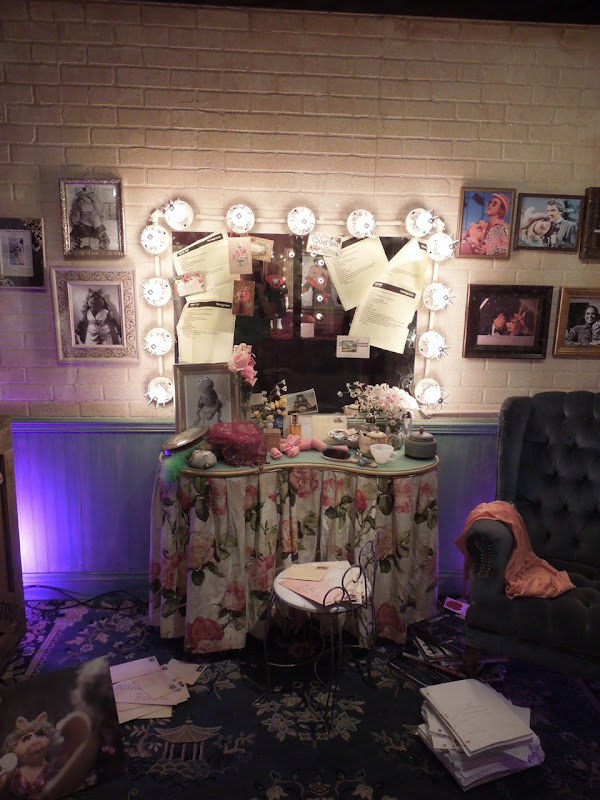 The Muppets Miss Piggy Dressing Room set