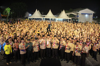 Wawalikota Buka Festival Wirakarya Kampung Kelir Pramuka