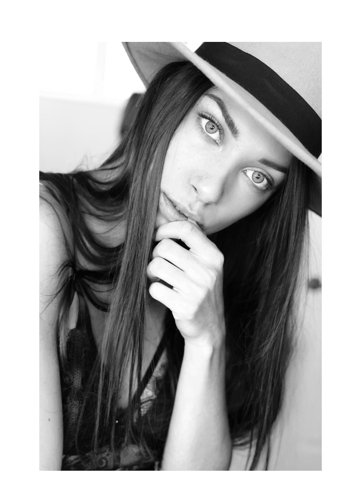 maeva dck, maeva drack, chapeau, blogueuse mode