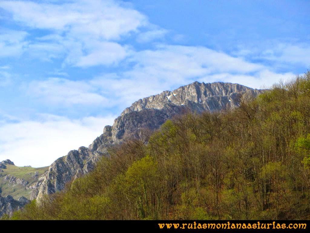 Ruta Peña Redonda: Vista desde El Pino