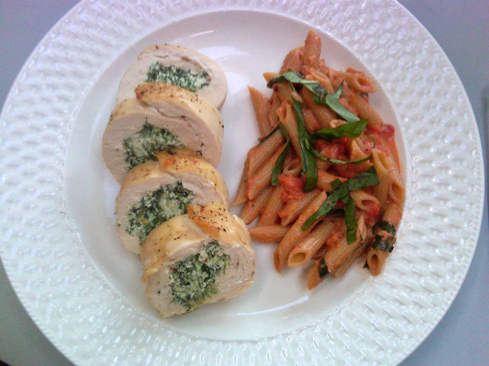 Sommer S Skinny Recipes Stuffed Chicken Breast With Whole Grain Penne Alla Vodka