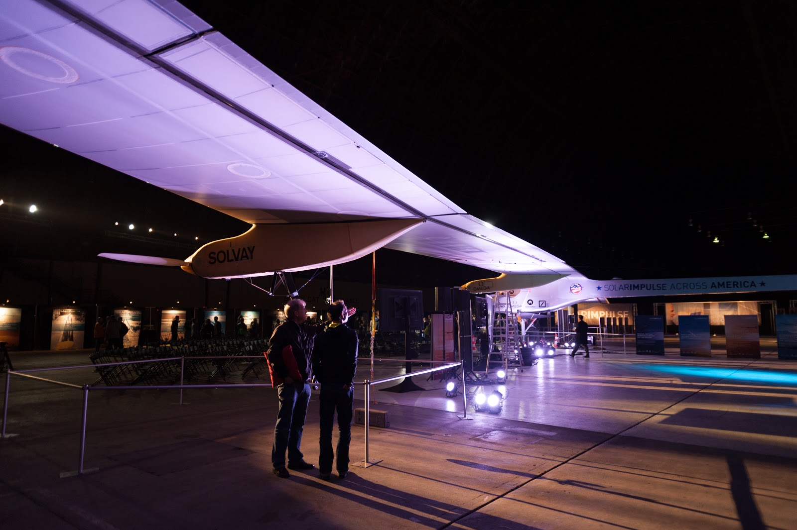 Admirers of Solar Impulse in Hangar 2