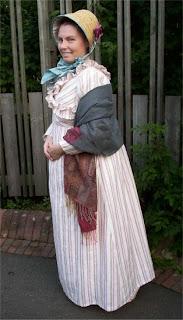 https://evashistoricalcostumes.blogspot.se/p/a-dress-shawl-and-bonnet-from-c.html
