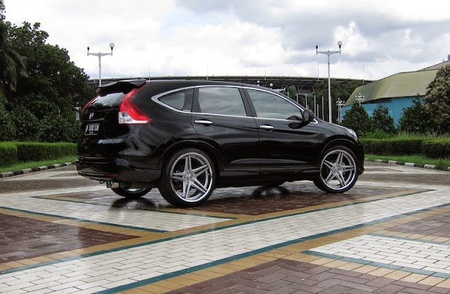 Modifikasi Mobil Honda CRV Terbaru Velg