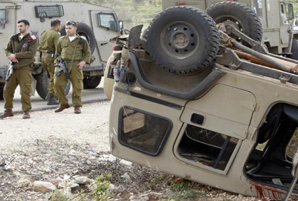 Lagi, Jip Militer Israel Terguling, 2 Personil Terluka
