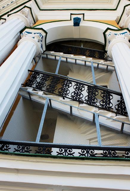Лестница на Лаврскую колокольню