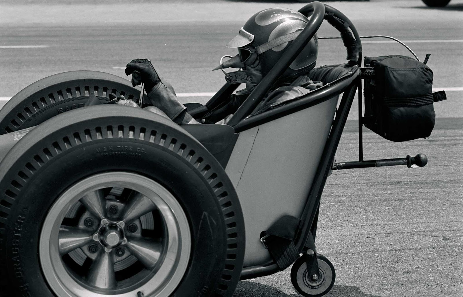 Http://www.hotrod.com/articles/nascar Bans 426 Hemi Sohc Ford  Launch Wild 1965 Racing Season/