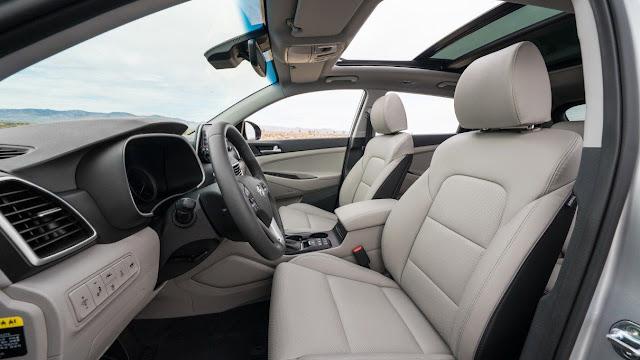 front-seats-and-interior-of-2020-hyundai-tucson