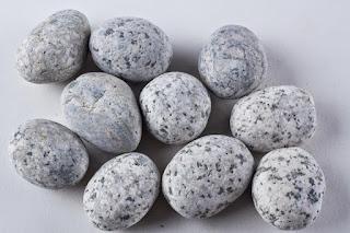 Batu Sikat Telur Puyuh