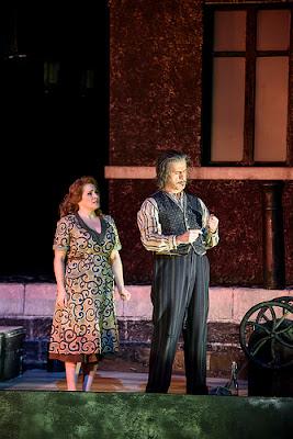 Patricia Racette as Giorgetta, Lucio Gallo as Michele in Il tabarro © ROH 2016. Photograph by Bill Cooper