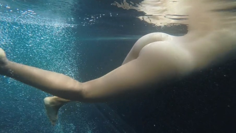 Sex In The Swimming Pool Pictures Gif