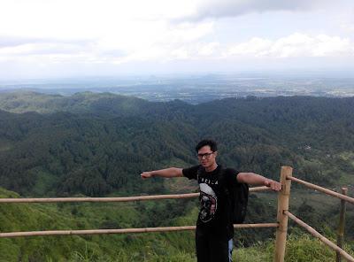Pemandangan Bukit Besek