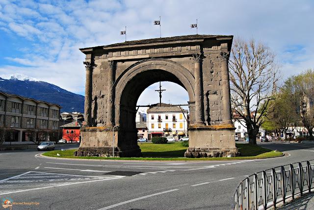 Aosta, cosa vedere, arco di augusto aosta, aosta in un giorno, itinerario ad aosta