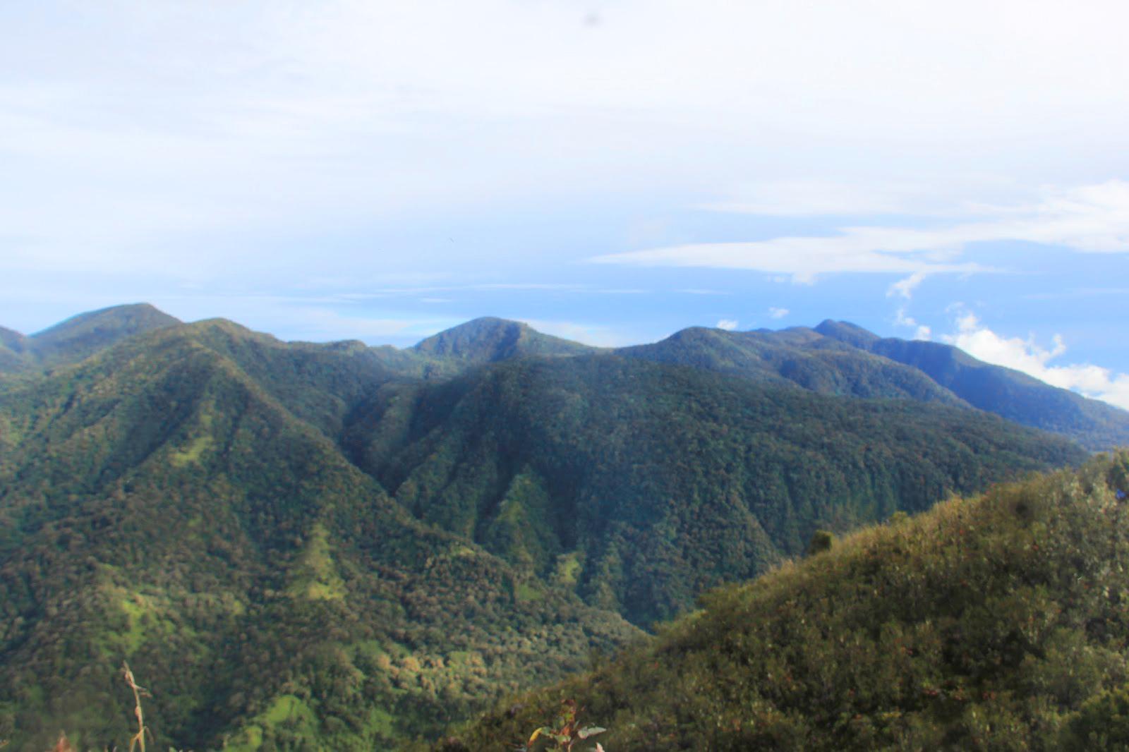 Gunung Geureudong tertinggi di Sumatera
