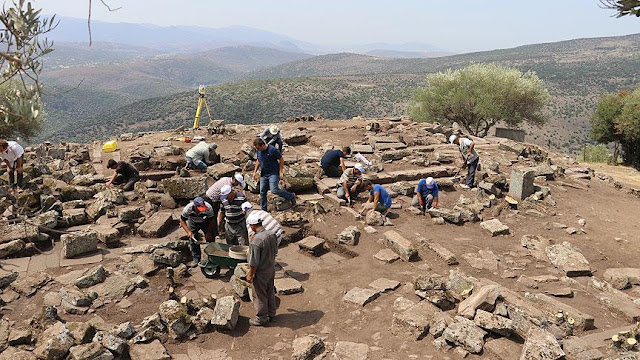 Searching for the Temple of Athena at ancient Aigai in Manisa