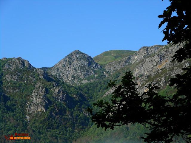 Vemos el Pico Cuevas