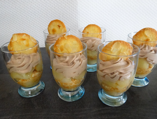 coupe ou verrine poires chocolat mascarpone biscuits aux amandes