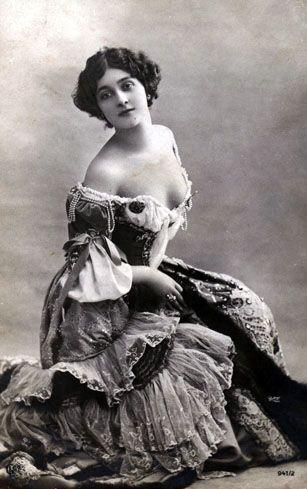 gambar foto wanita cantik di dunia di jaman dahulu