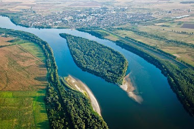 ONLY MINUTES FROM DANUBE RIVER