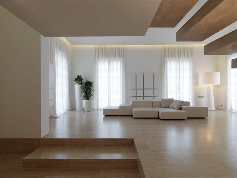 Marmo nero teak e travertino for Design minimalista