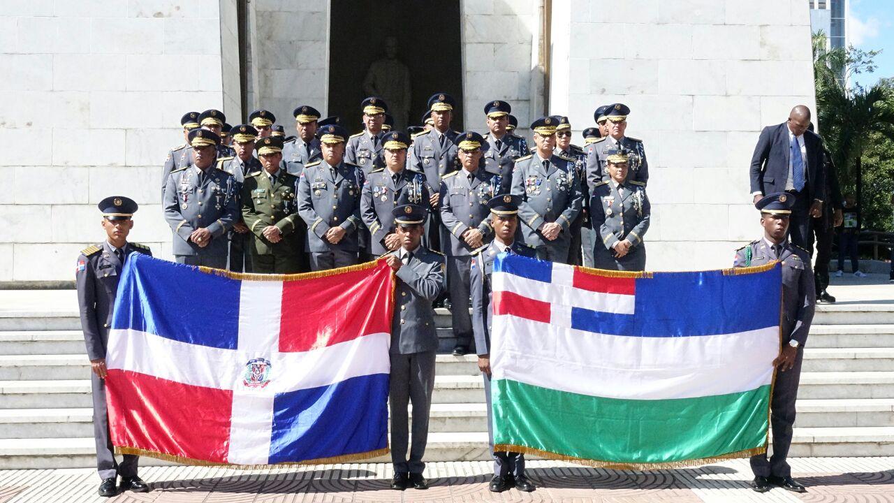 Policía Nacional  rinde honor a la dominicanidad