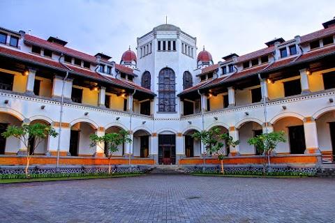 Melewatkan Liburan Akhir Tahun di Semarang