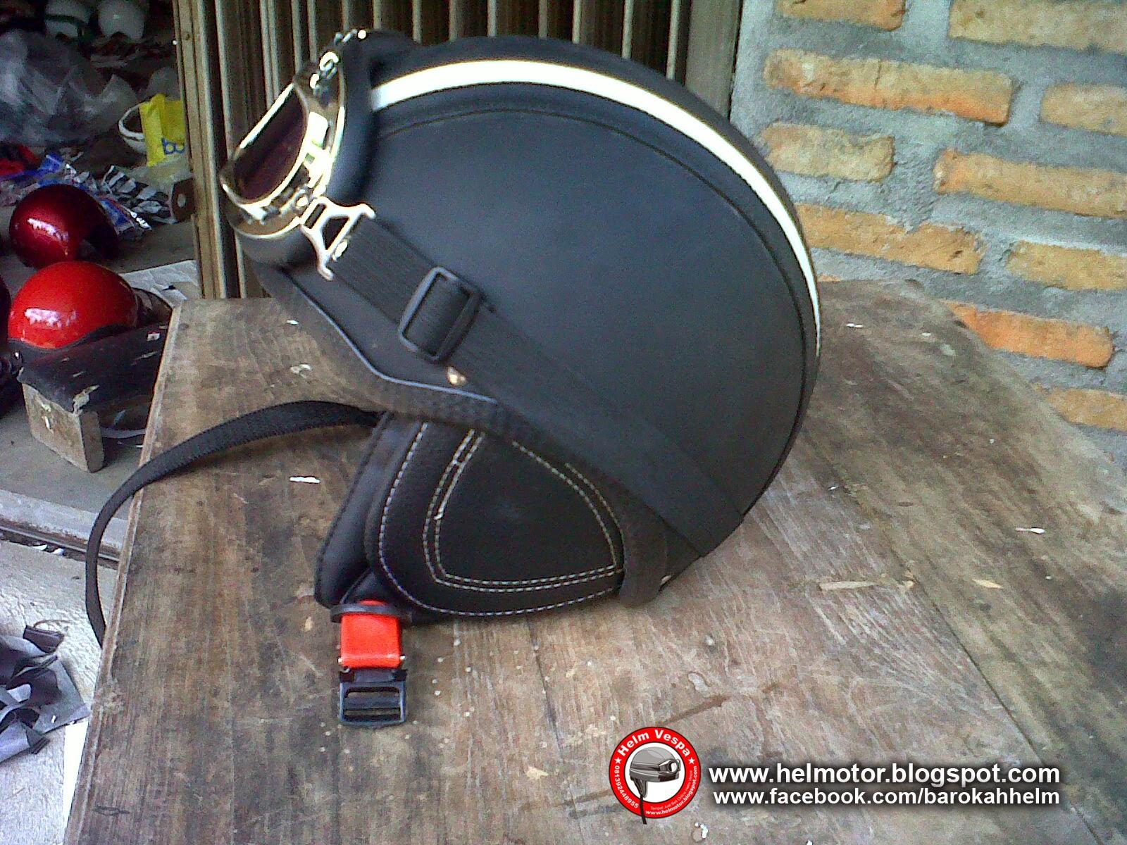 Helm 75 Hitam TL  Helm Vespa