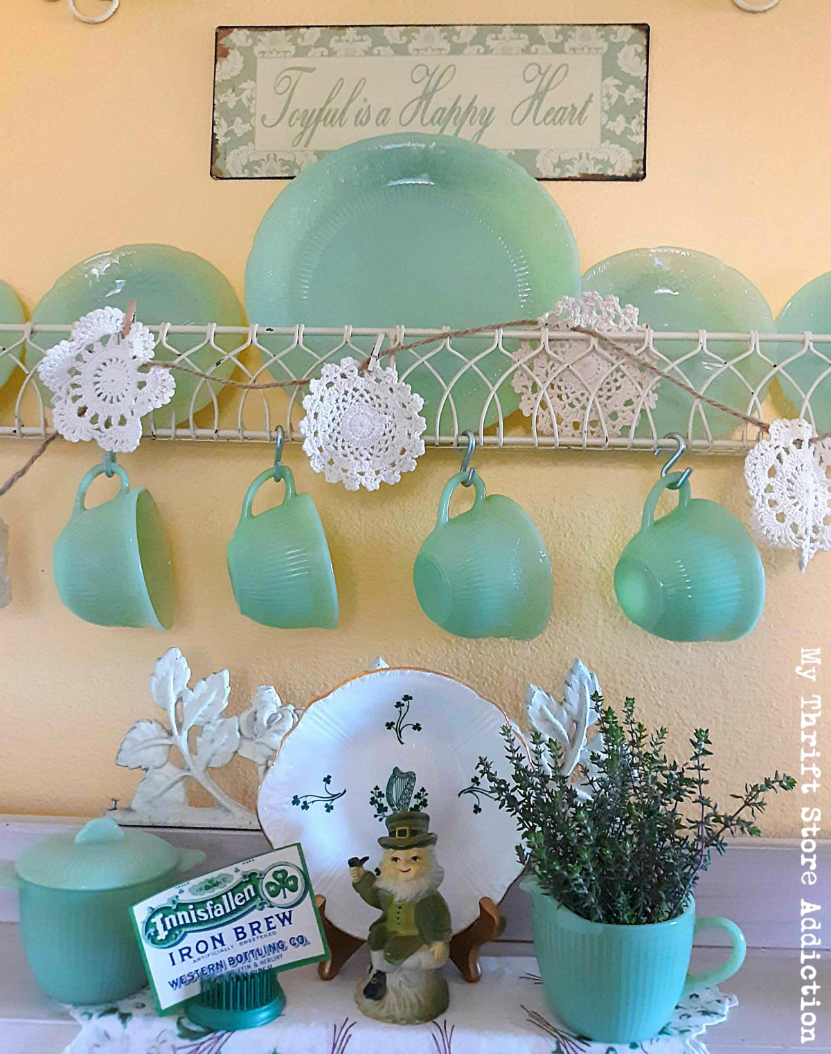 vintage jadeite vignettes
