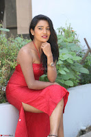 Mamatha sizzles in red Gown at Katrina Karina Madhyalo Kamal Haasan movie Launch event 005.JPG