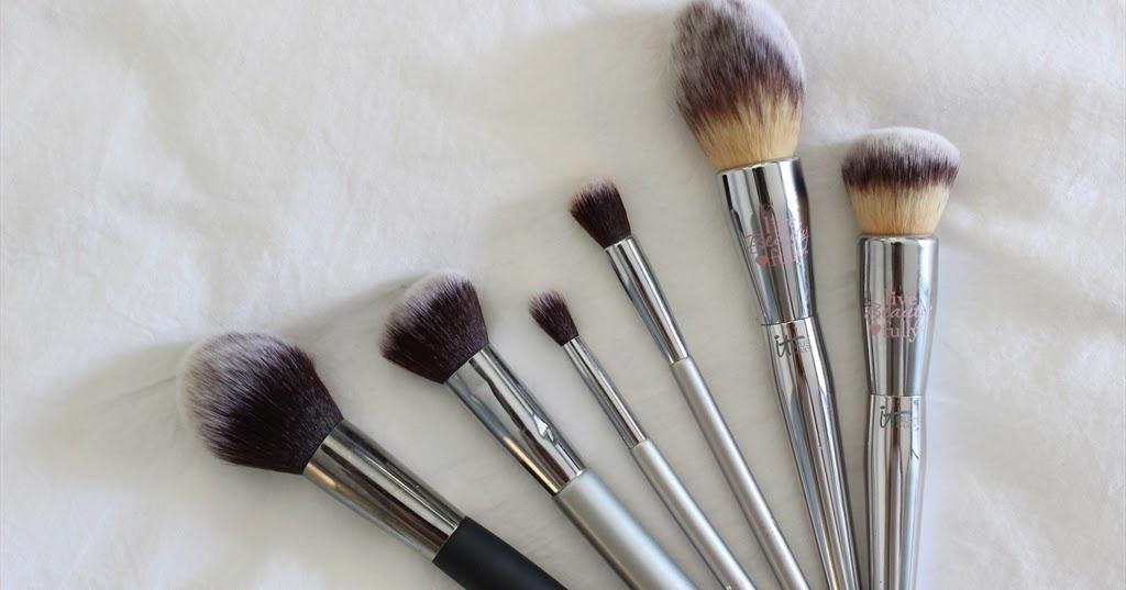 It Cosmetics x ULTA Airbrush Smoothing Foundation Brush #102 by IT Cosmetics #21