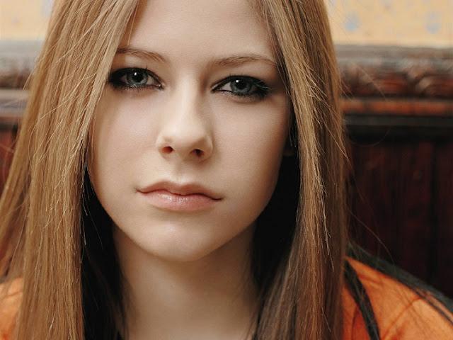 Lirik dan Chord Lagu Stop Standing There ~ Avril Lavigne