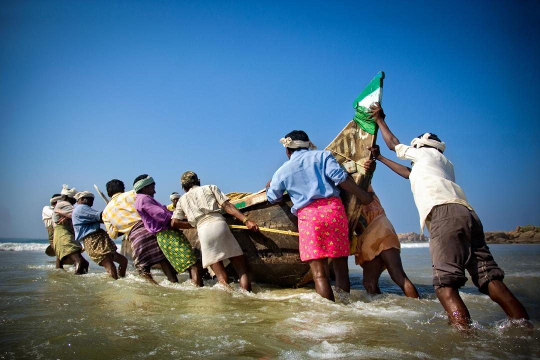 தென்பகுதி மீனவர்கள் தொடர்ந்து ஆக்கிரமிப்பு  - போராட்டத்துக்குத் தயாராகும் முல்லை மீனவர்கள்