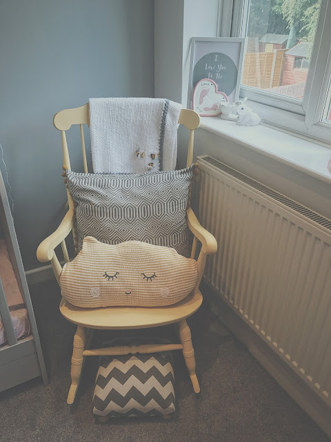 Nursery inspiration for a little girl, grey and pink decor and a bunny rabbit theme
