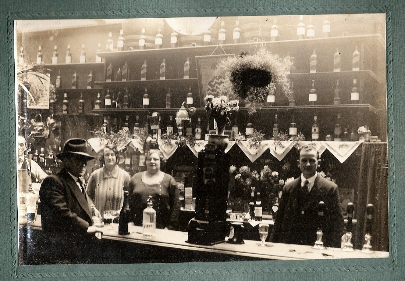 Photo inside the Old No. 9 pub