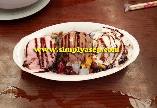Shanghai Ice Cream 23 K.  Foto Asep Haryono