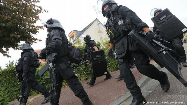 «Κυρίες και κύριοι, η Ευρώπη βυθίζεται»