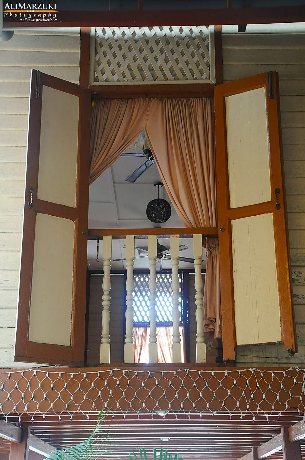 Tingkap Rumah Kampung Desainrumahid Com