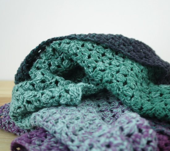 Scheepjes Whirl, Woolly Whirl, crochet pattern: The Little Meringue Shawl | Happy in Red