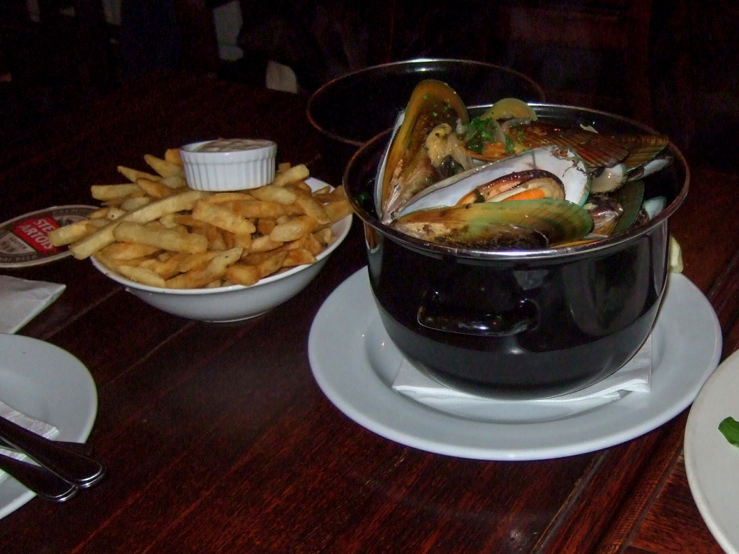 ムール貝,ポテト,The Occidental Belgian Cafe,NZ〈著作権フリー無料画像〉Free Stock Photos